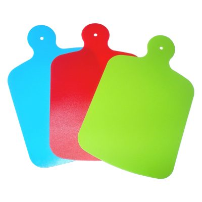 flexible-cutting-board-with-handle
